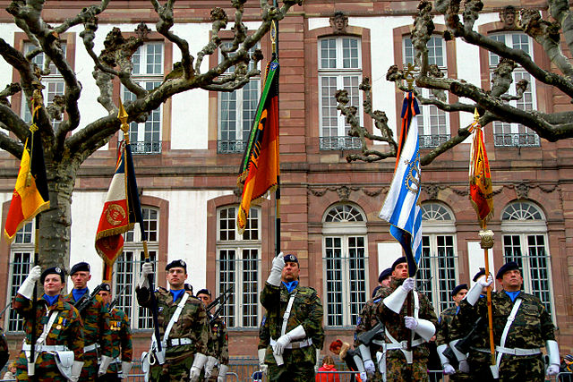 https://de.wikipedia.org/wiki/Eurokorps#/media/File:Eurocorps_prise_d%27armes_Strasbourg_31_janvier_2013_32.JPG